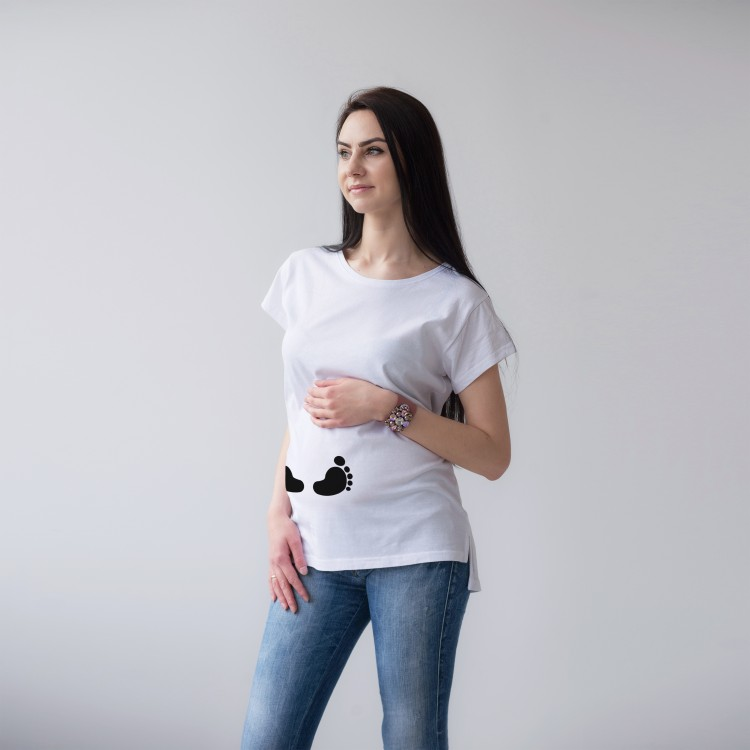 'FOOTS' WHITE T-SHIRTS FOR A PREGNANT WOMEN