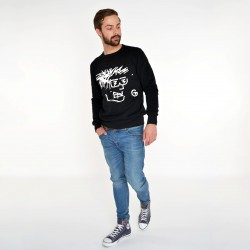 BLACK SWEATSHIRT FOR MEN SELFIE