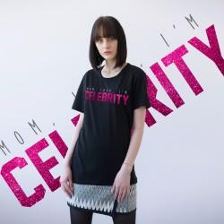 BLACK T-SHIRT FOR WOMEN 'MOM, LOOK, I'M CELEBRITY' (UNISEX)