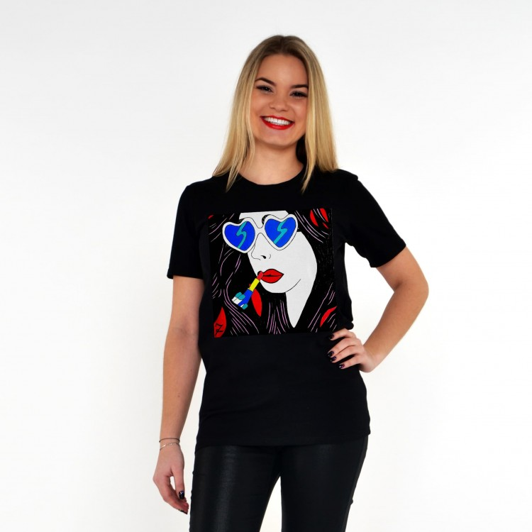 BLACK T-SHIRT FOR WOMEN 'WOMAN WITH LIPSTICK'