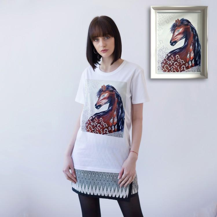 WHITE UNISEX T-SHIRT FOR WOMEN 'HORSESHOE'